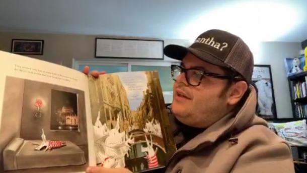 Josh Gad reading children's books