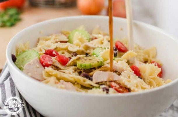 Easy Greek Pasta Salad Recipe with Chicken