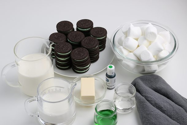 The Best Grasshopper Pie Recipe - The ingredients for grasshopper pie are simple pantry items!
