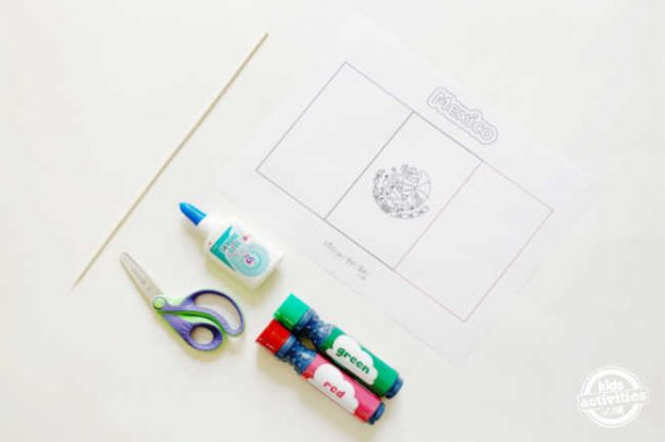 supplies for making mexican flag arts and crafts includes dot markers, glue, scissors and free printable mexican flag