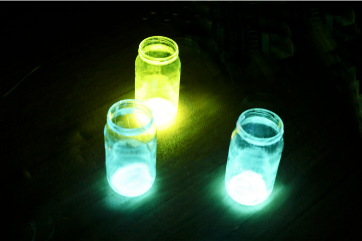 Glow stick kits for kids for glowing science experiments at home - Kids Activities Blog