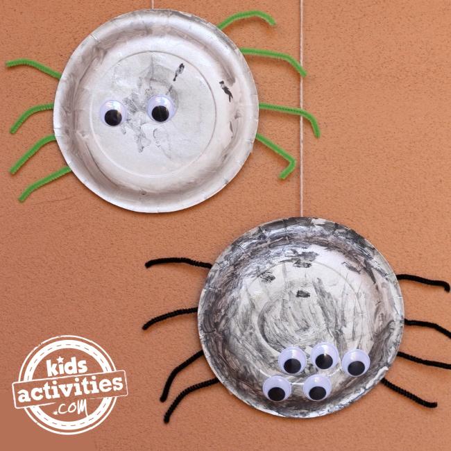 Araignées en carton d'Halloween du blog d'activités pour enfants